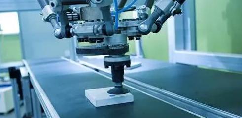 PCB线路板厂应用机器人将成趋势